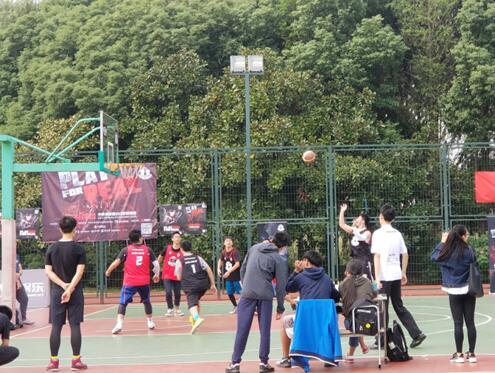 2017中国大学生3X3篮球联赛开幕 上海工技大预选赛区火热进行中